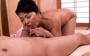 60年物のマンコは超敏感…どろどろのマン汁をたらしビクビク痙攣しまくる松岡貴美子の肉弾FUCK!
