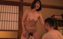 小田しおりの閉経マンコが疼いてとまらない…オナニーを息子に目撃され膣内に中出しされる近親相姦!
