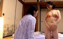 吉永静子が極小の過激ビキニで息子に迫る…母親の卑猥な身体に理性をなくしガン突きする近親相姦SEX